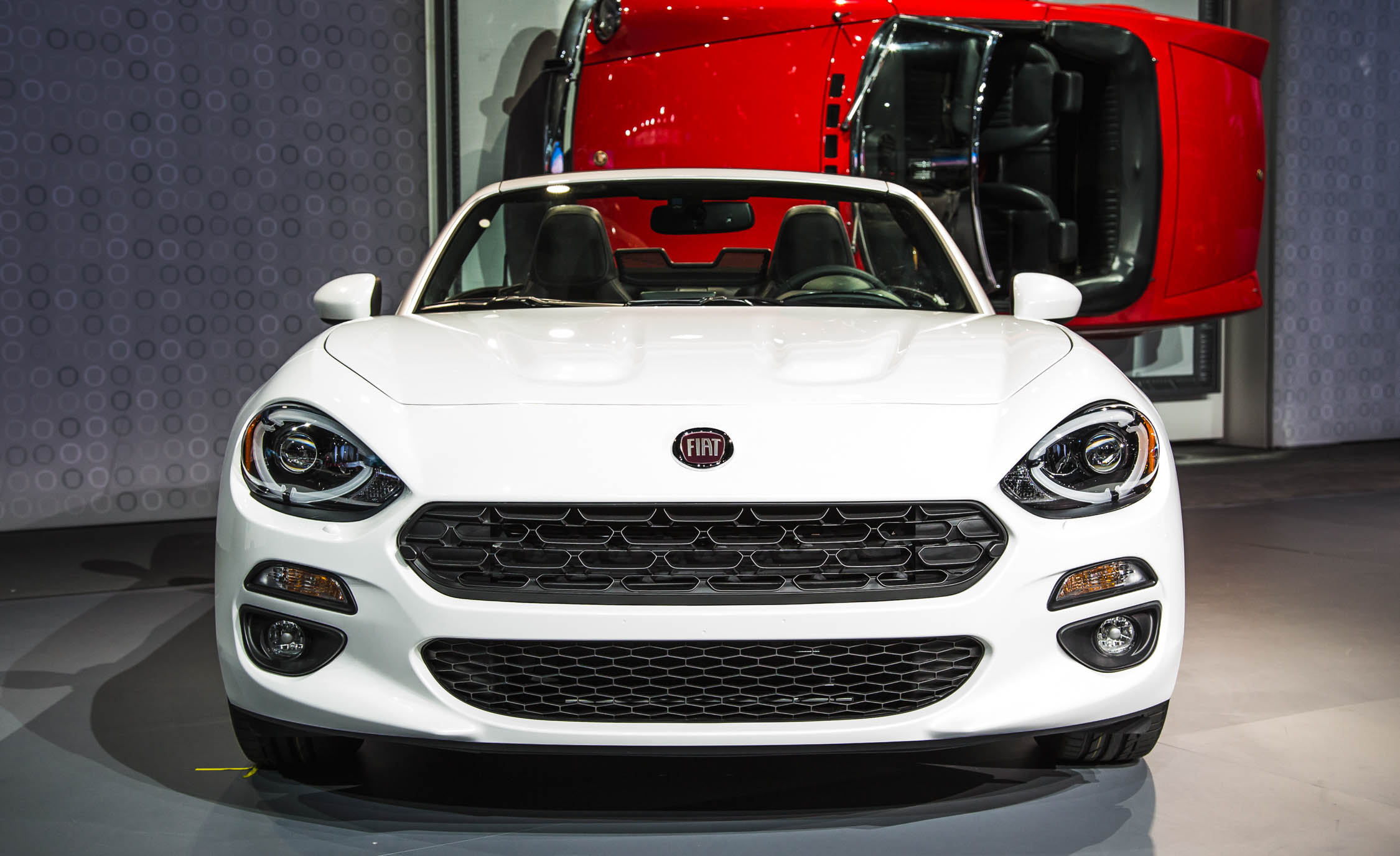 2017 Fiat 124 Spider White Front End Exterior