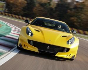 Ferrari F12tdf 2016 Circuit Test