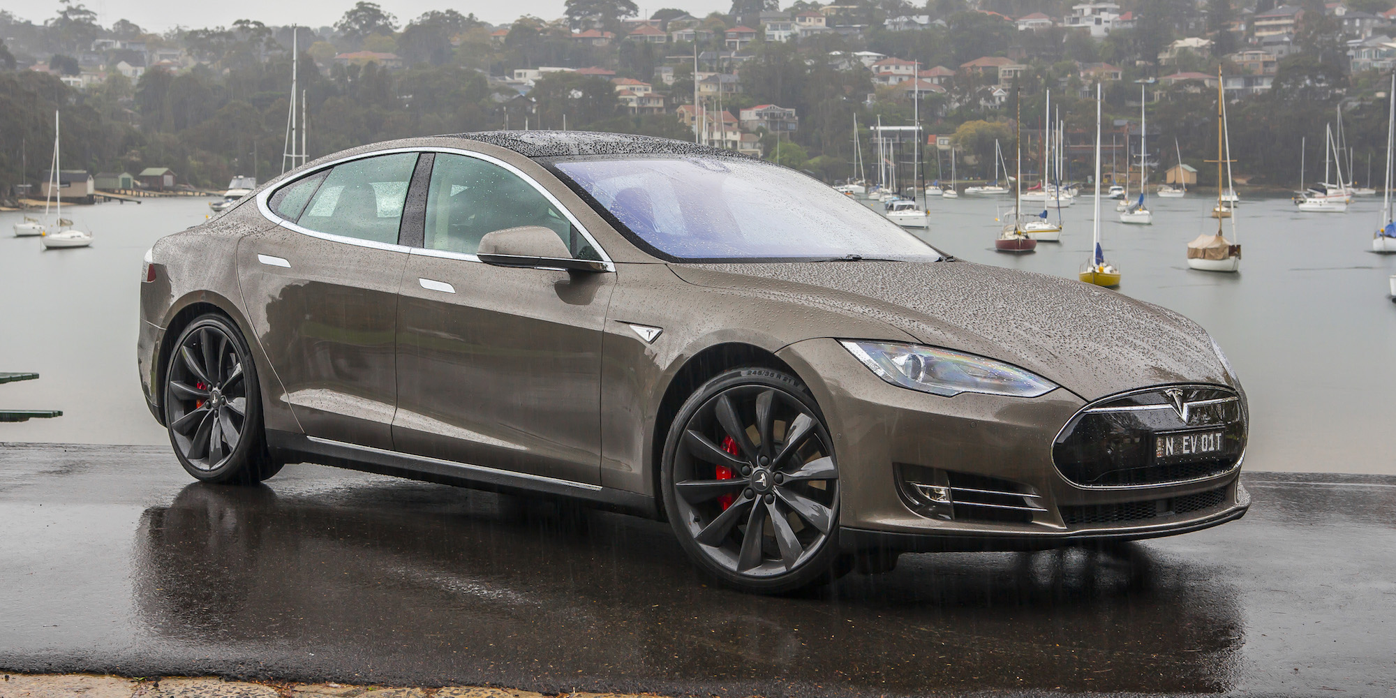 First Impression Tesla Model S P85D 2015