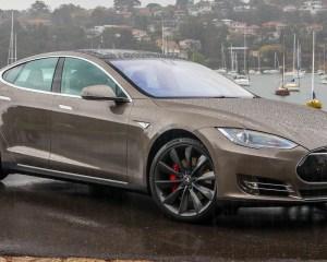 First Impression Tesla Model S P85D 2015