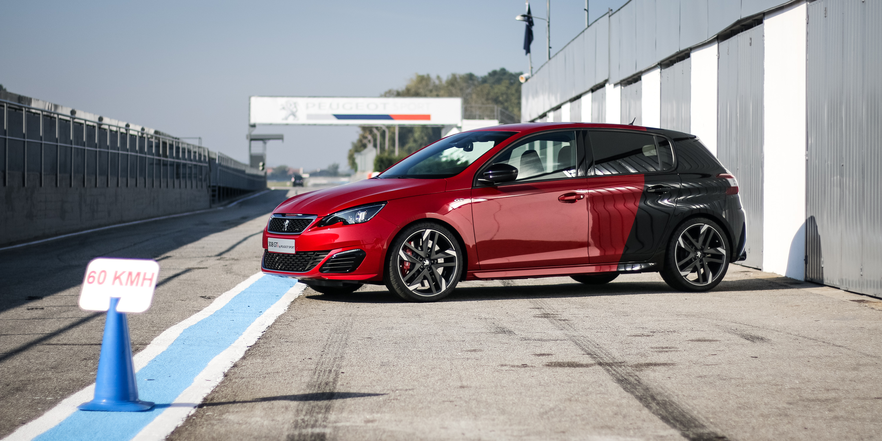 First Look 2016 Peugeot 308 GTi