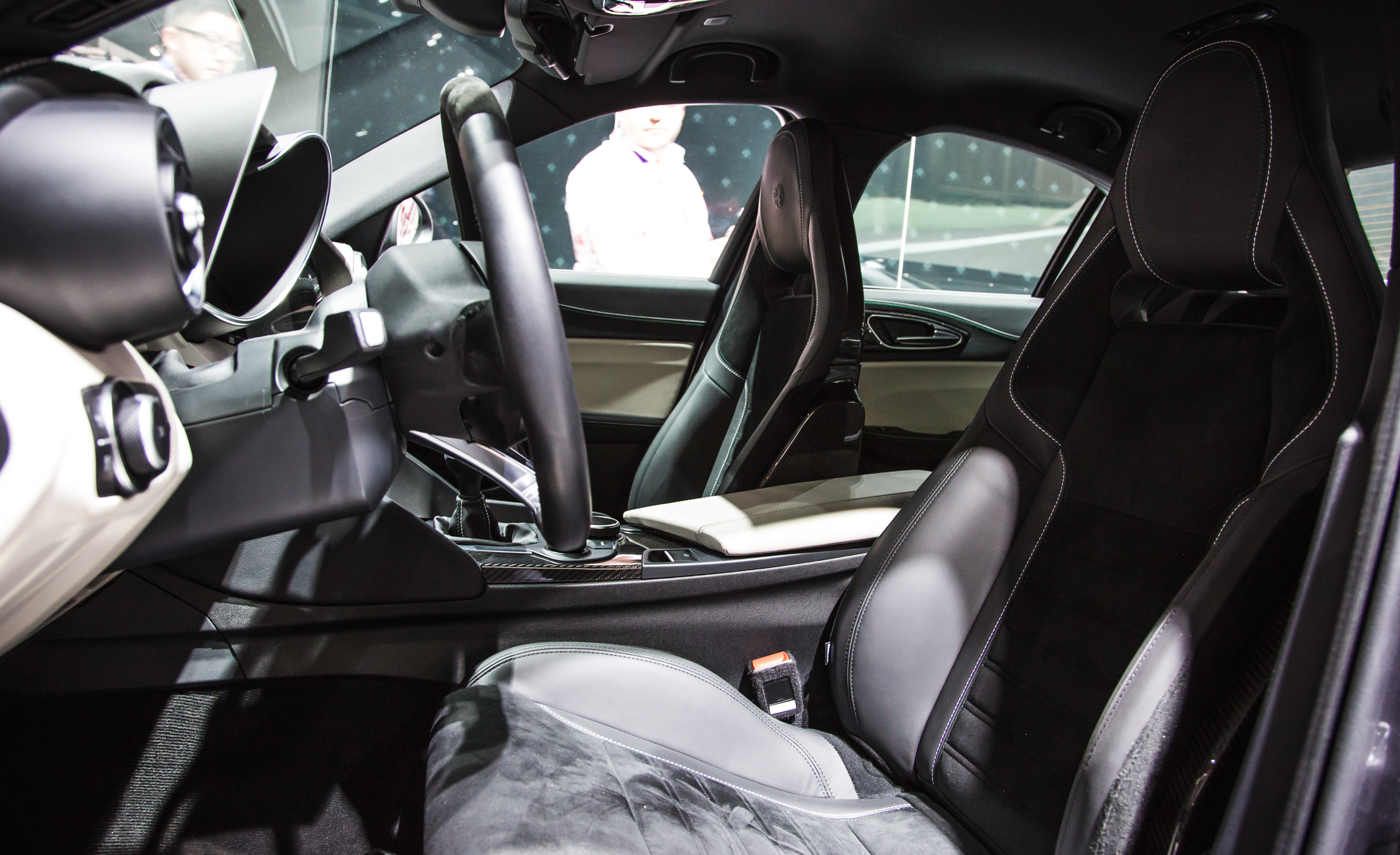 Front Seats Interior 2017 Alfa Romeo Giulia Quadrifoglio