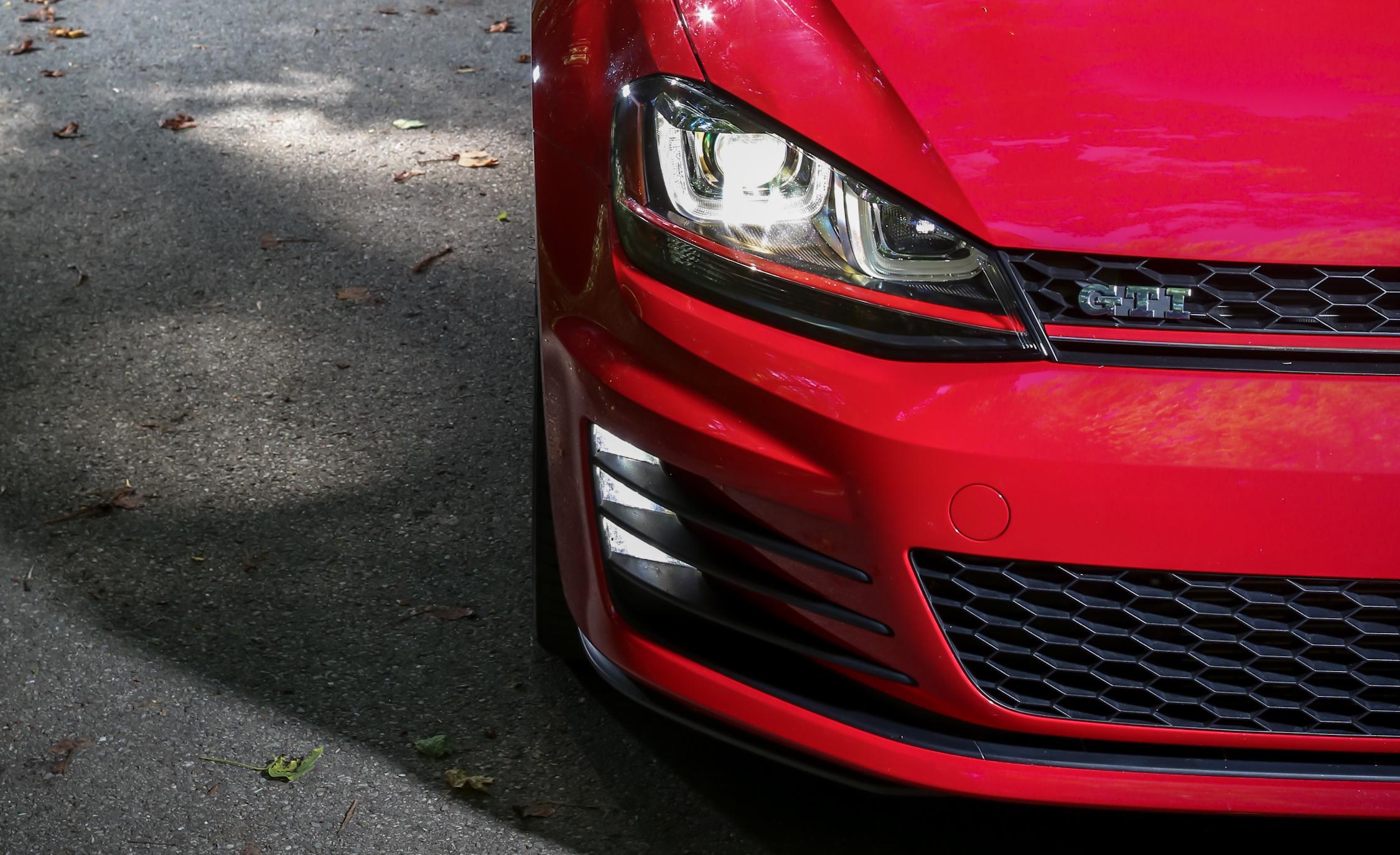 Headlamp Design 2015 Volkswagen GTI 5-Door