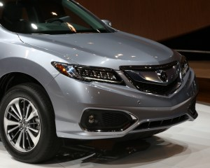 Headlamp Design of 2016 Acura RDX