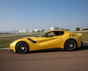 New Ferrari F12tdf 2016 Test Drive