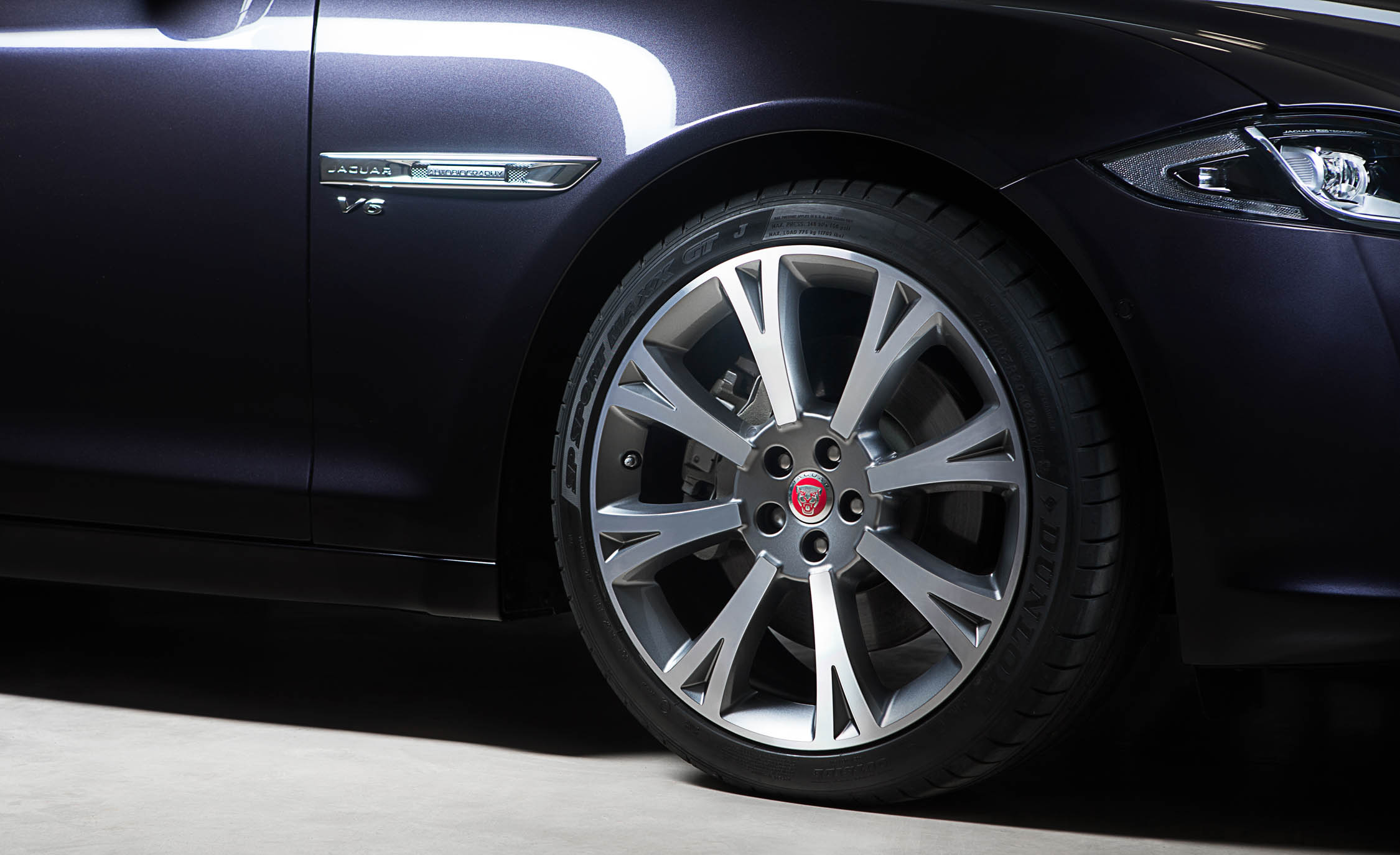 Wheel Trim 2016 Jaguar XJL