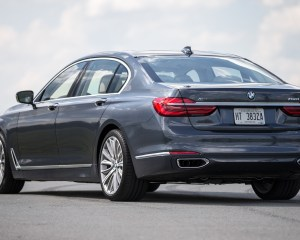2016 BMW 750i xDrive Gray Metallic Exterior Side and Rear