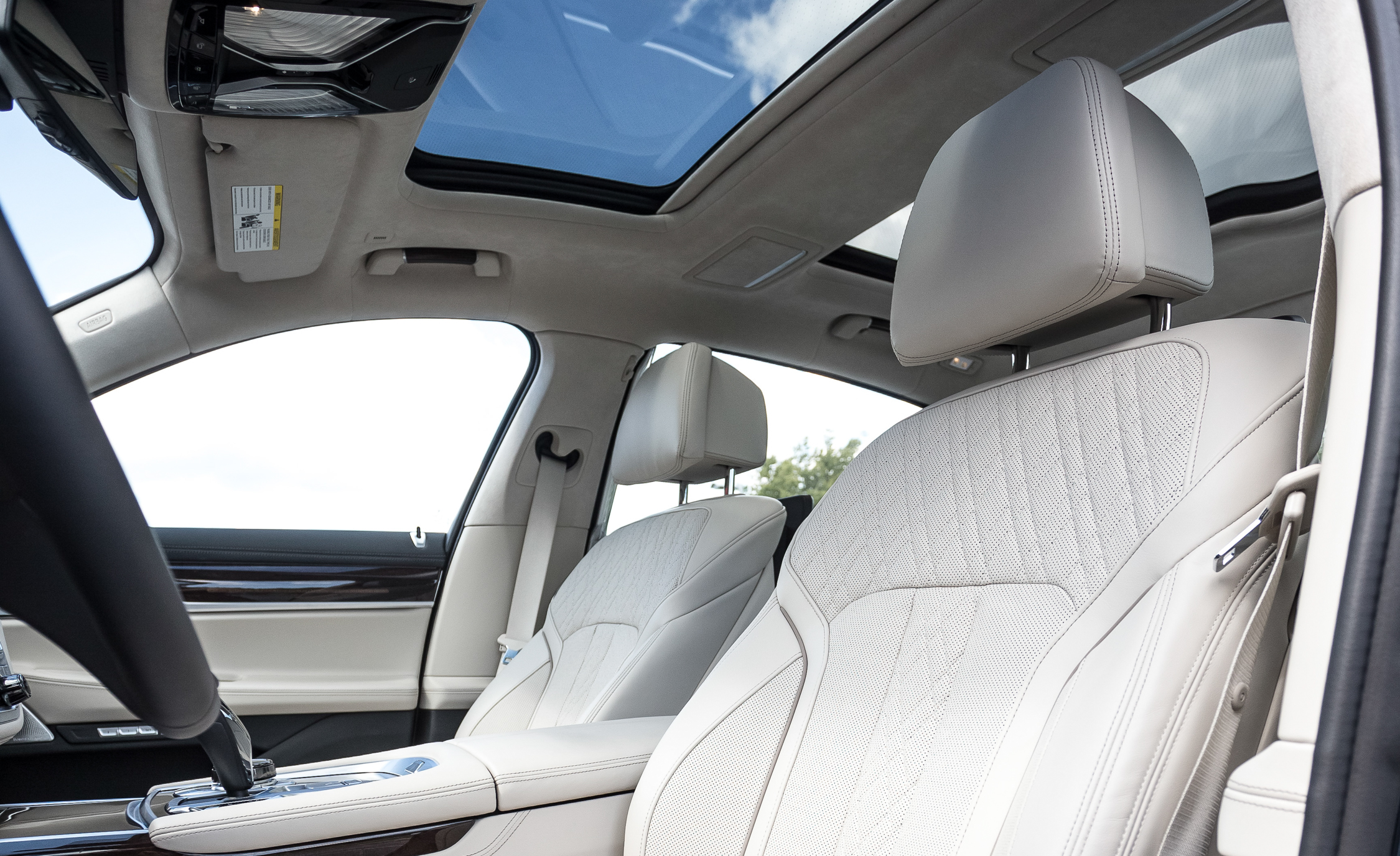 2016 BMW 750i xDrive Interior Cockpit Seat