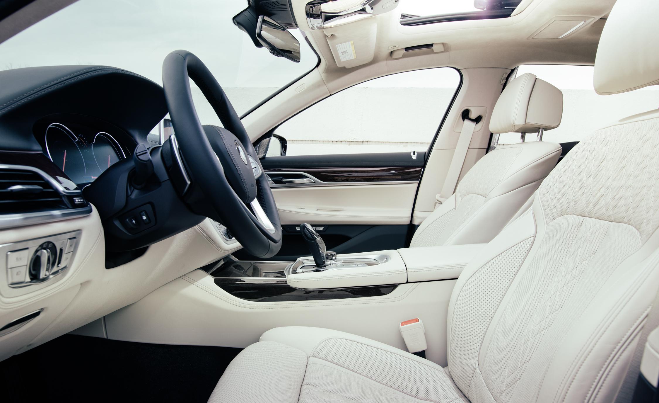 2016 BMW 750i xDrive Interior Front Seats