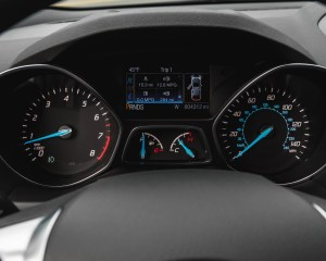 2016 Ford Escape Ecoboost SE Interior Speedometer