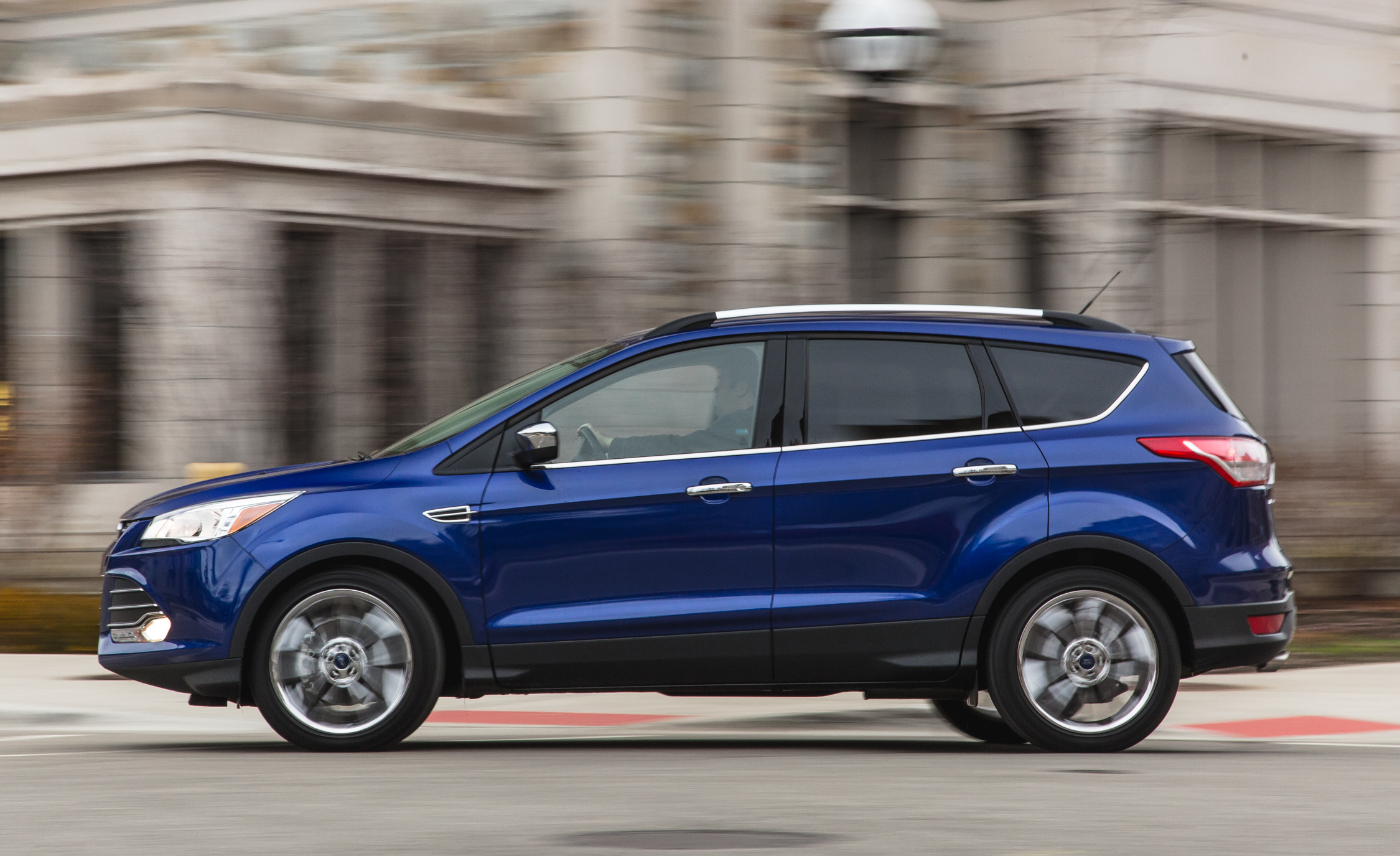 2016 Ford Escape Ecoboost SE Test Side View