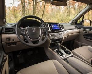 2016 Honda Pilot EX FWD Interior Front