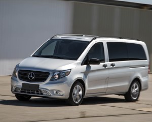 2016 Mercedes-Benz Metris Test Drive