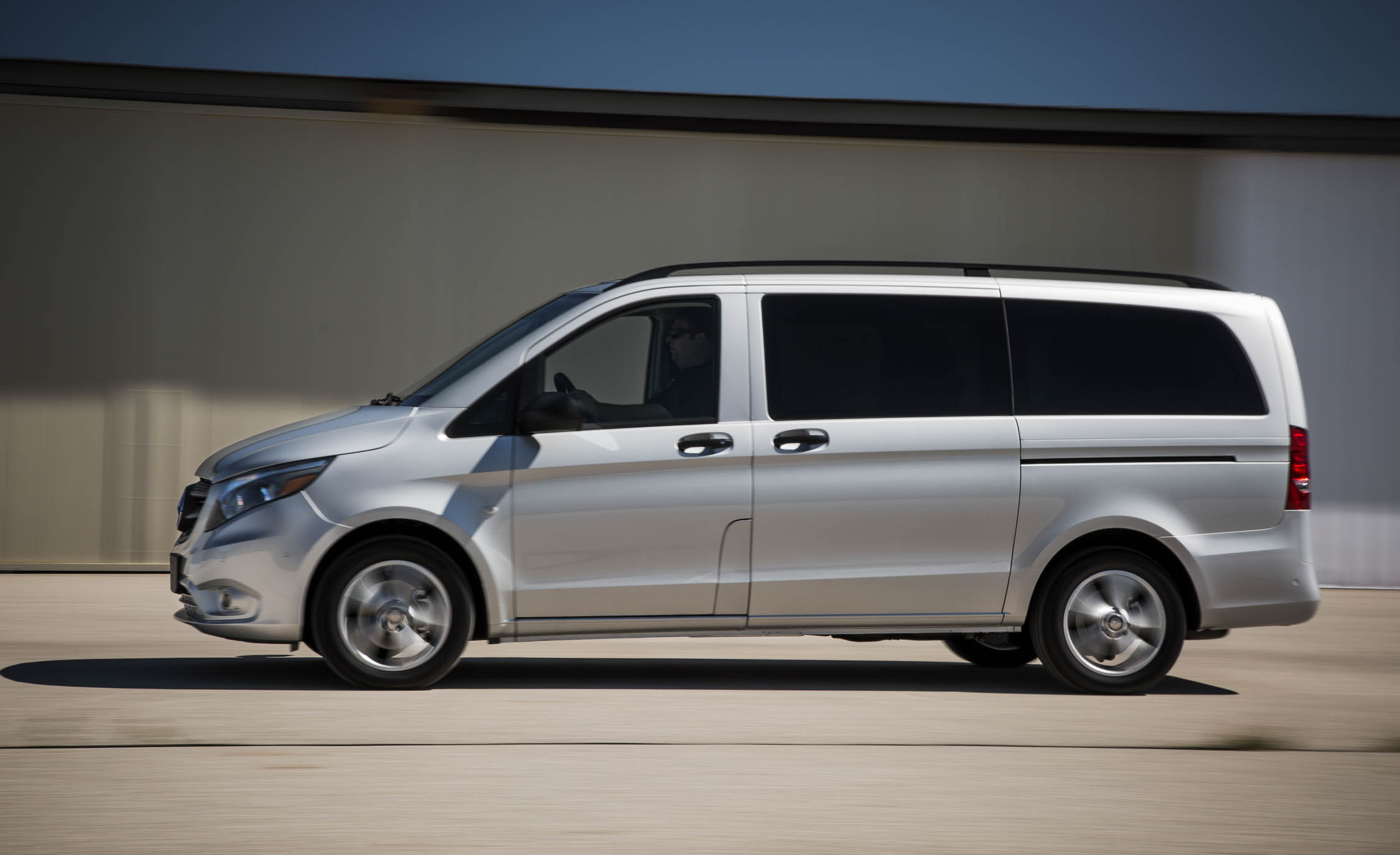 2016 Mercedes-Benz Metris Test Side View