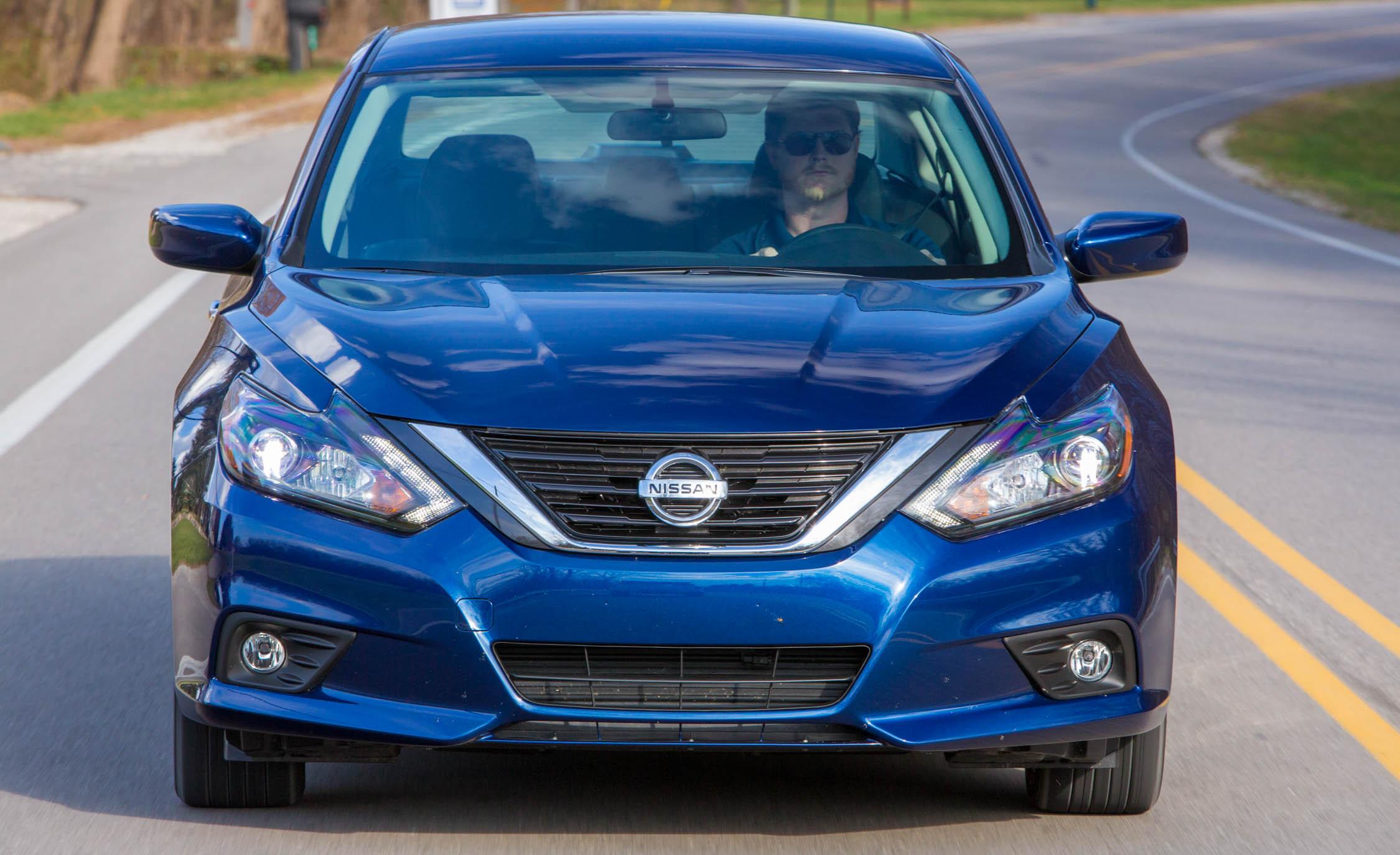 2016 Nissan Altima Exterior Front End