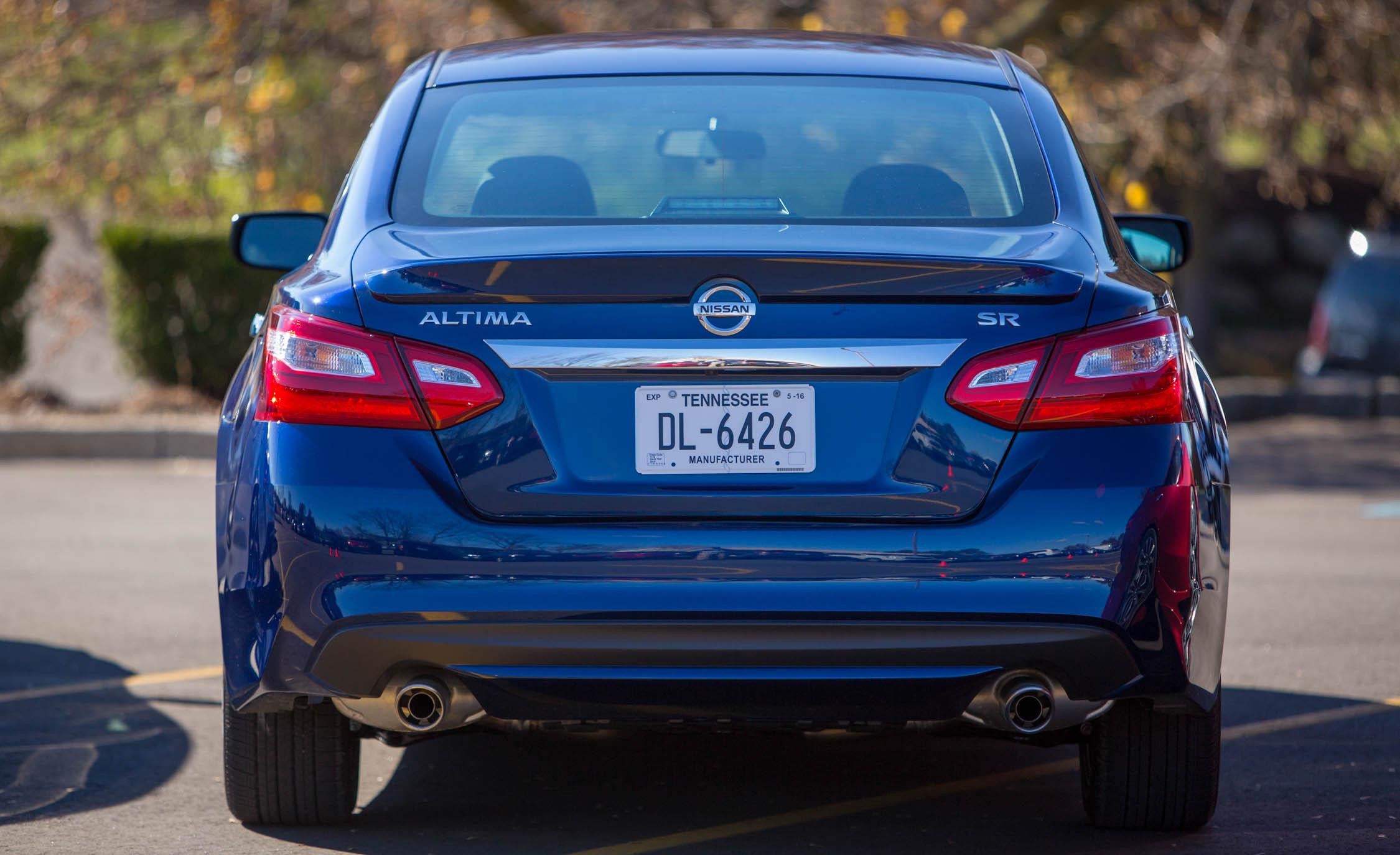 2016 Nissan Altima Exterior Rear End