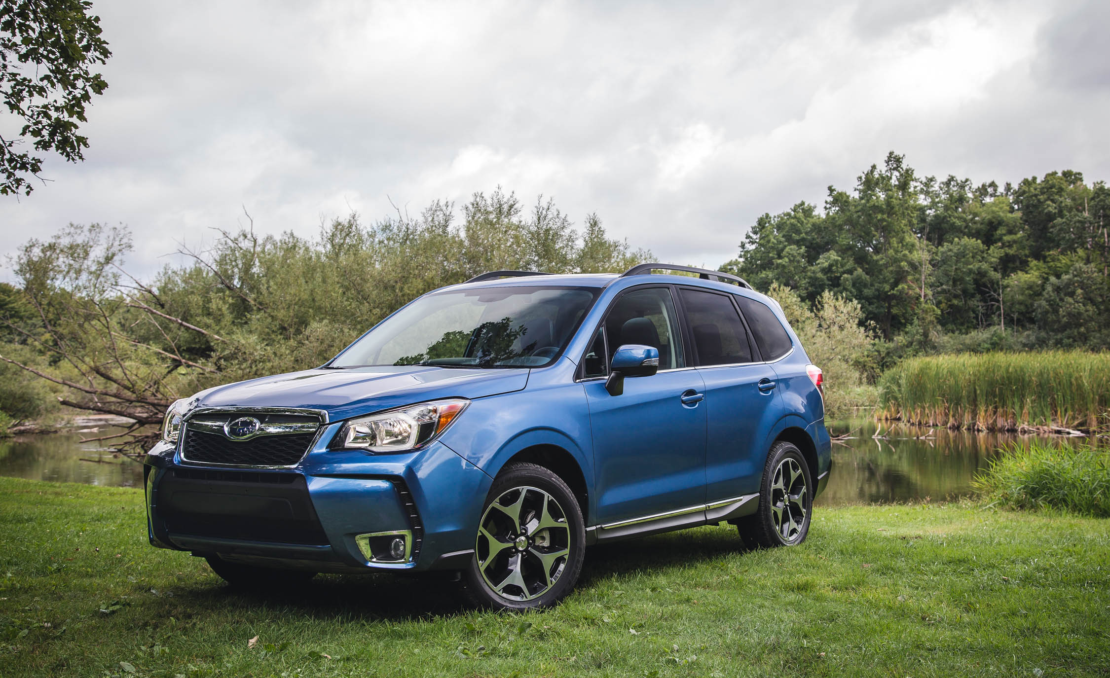2016 Subaru Forester 2.0XT Touring Exterior Full Front and Side