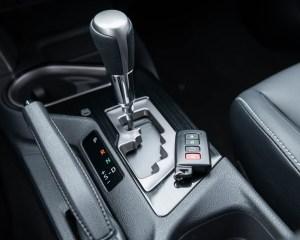 2016 Toyota RAV4 Hybrid Interior Automatic Gear Shift Knob
