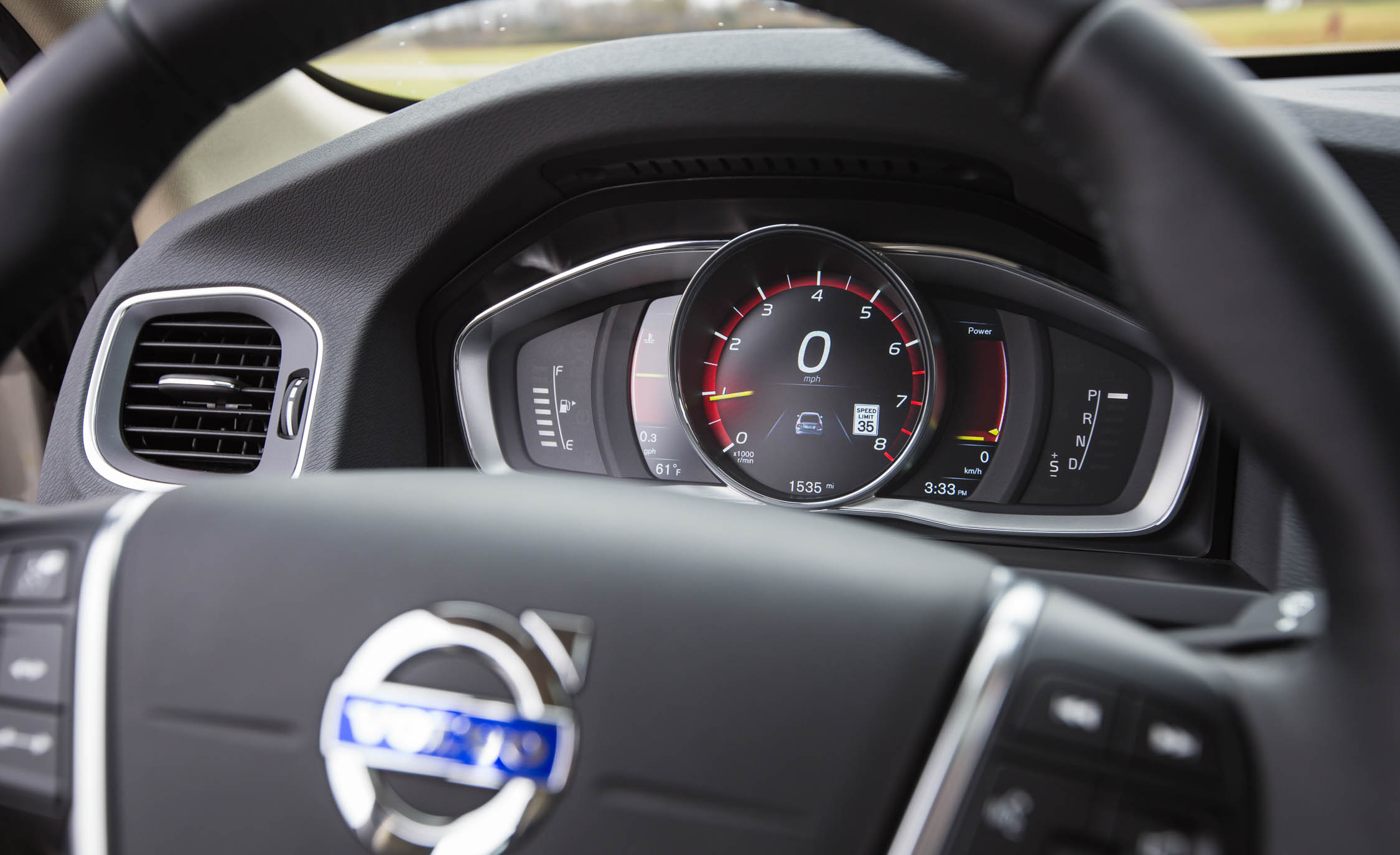 2016 Volvo S60 T5 Inscription Interior Speedometer
