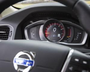 2016 Volvo S60 T5 Inscription Interior Speedometer