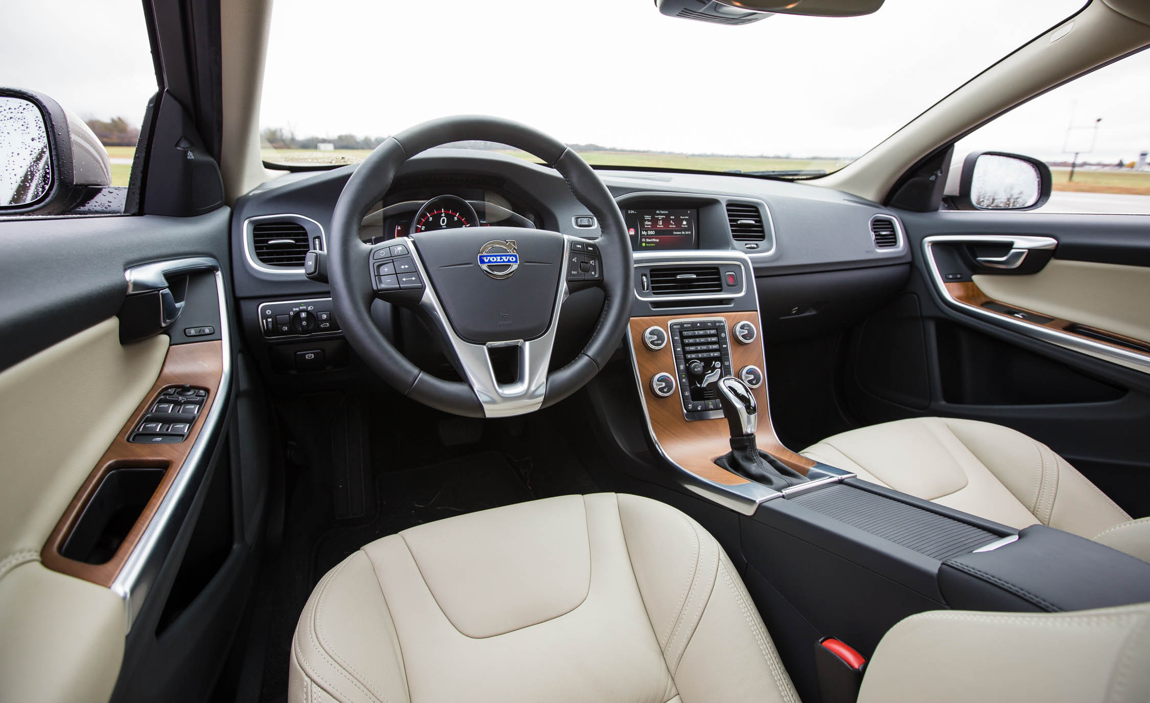 2016 Volvo S60 T5 Inscription Interior