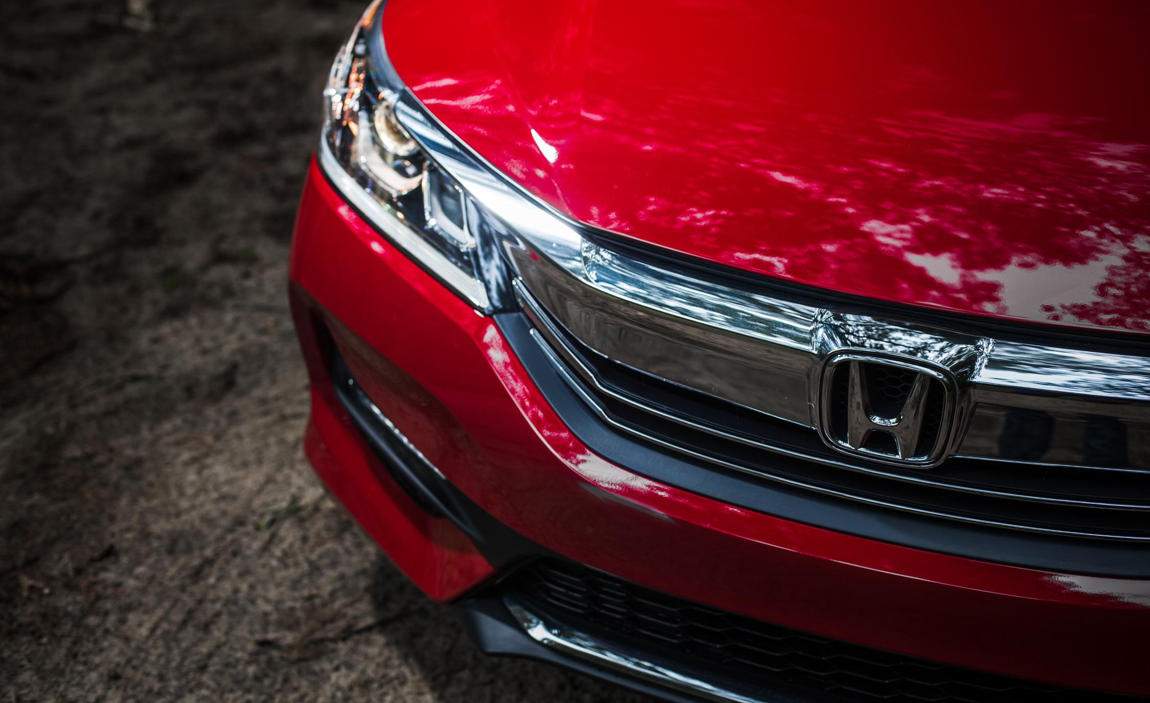2016 Honda Accord Sport Exterior Badge Front