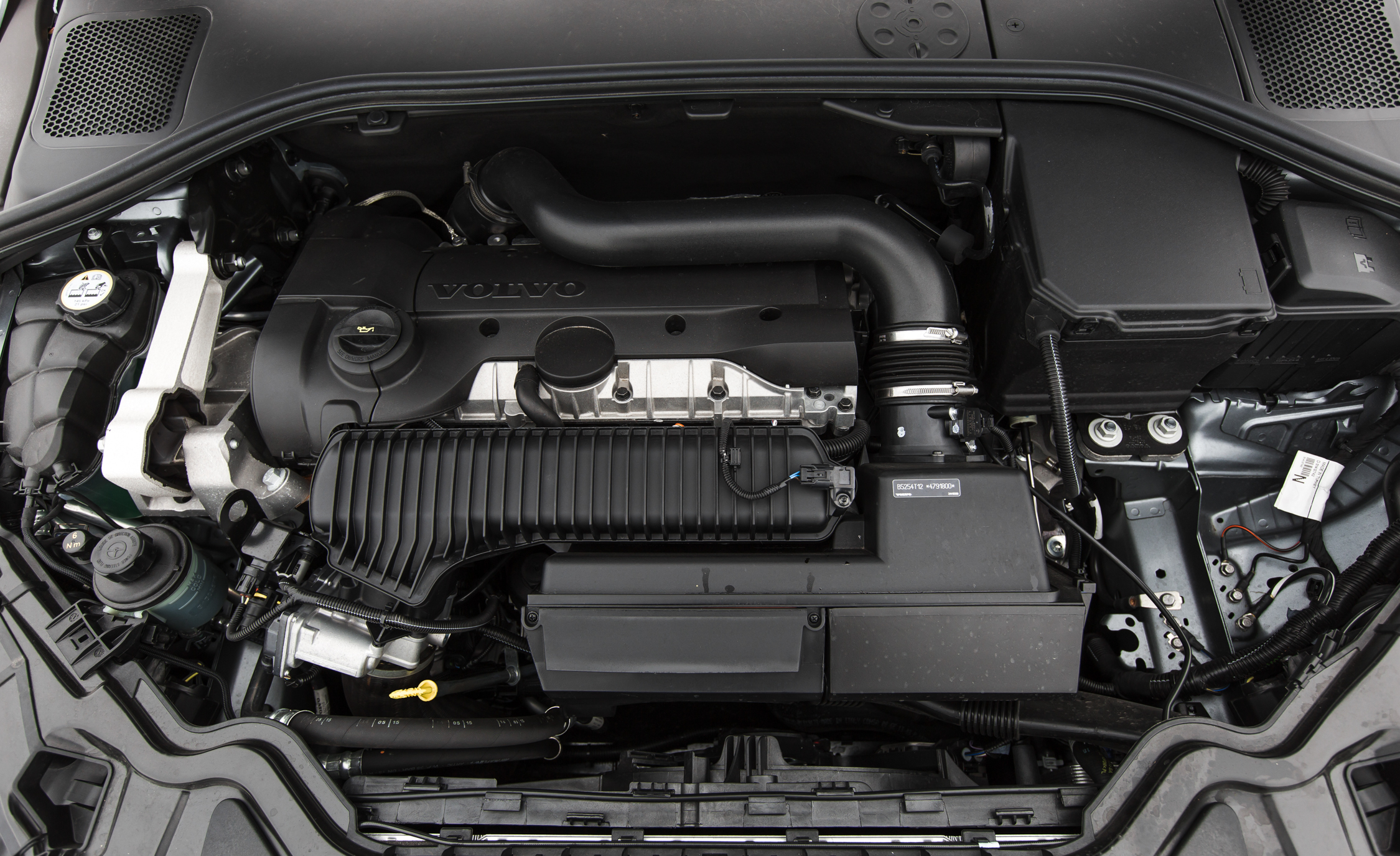 2016 Volvo S60 T5 Cross Country Turbocharged 2.5-Liter Inline-5 Engine