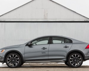 2016 Volvo S60 Cross Country Exterior Full Side