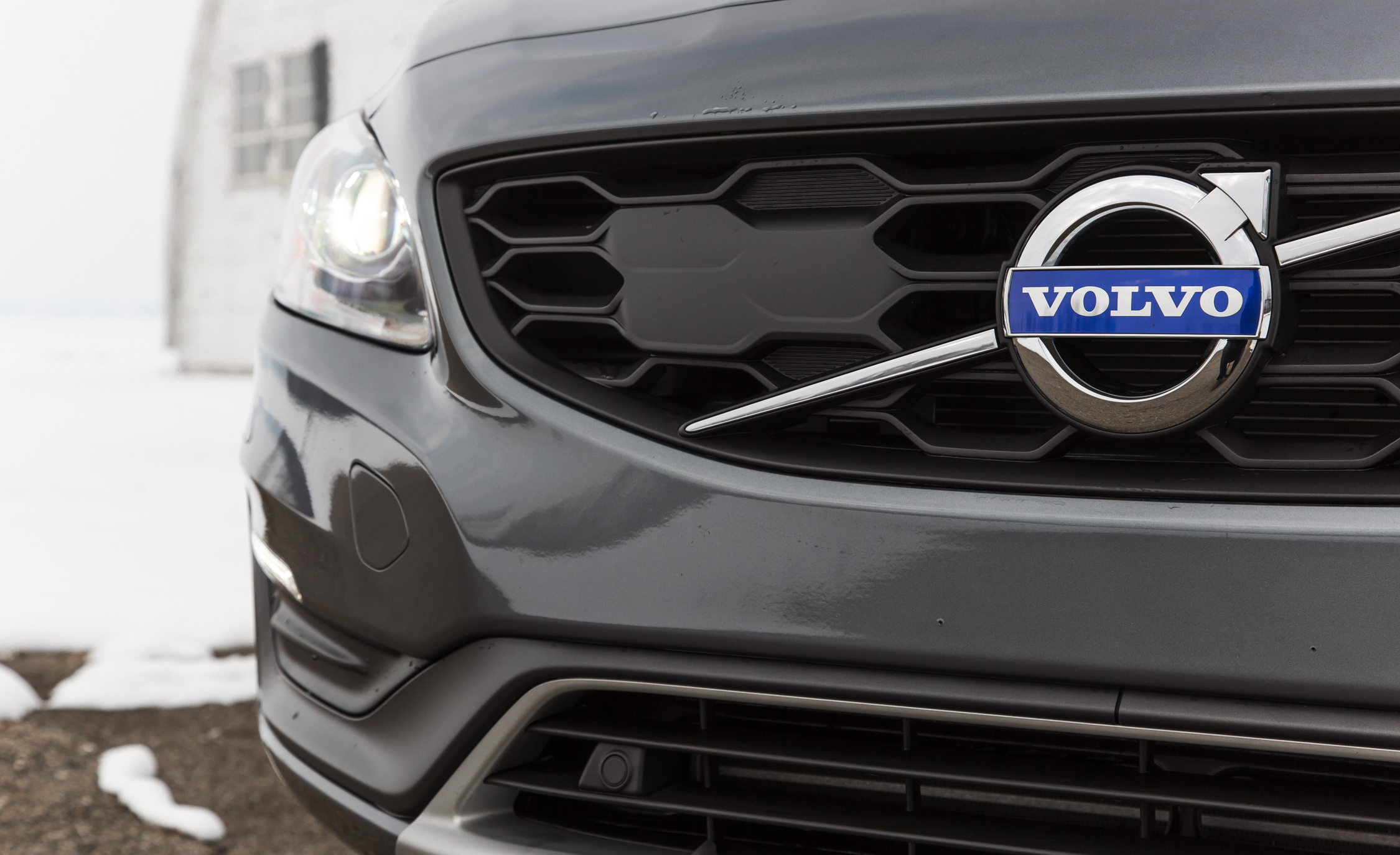 2016 Volvo S60 Cross Country Exterior Grille