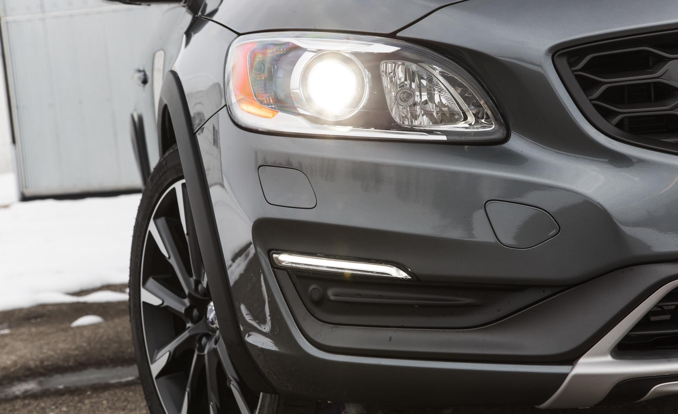 2016 Volvo S60 Cross Country Exterior Headlight