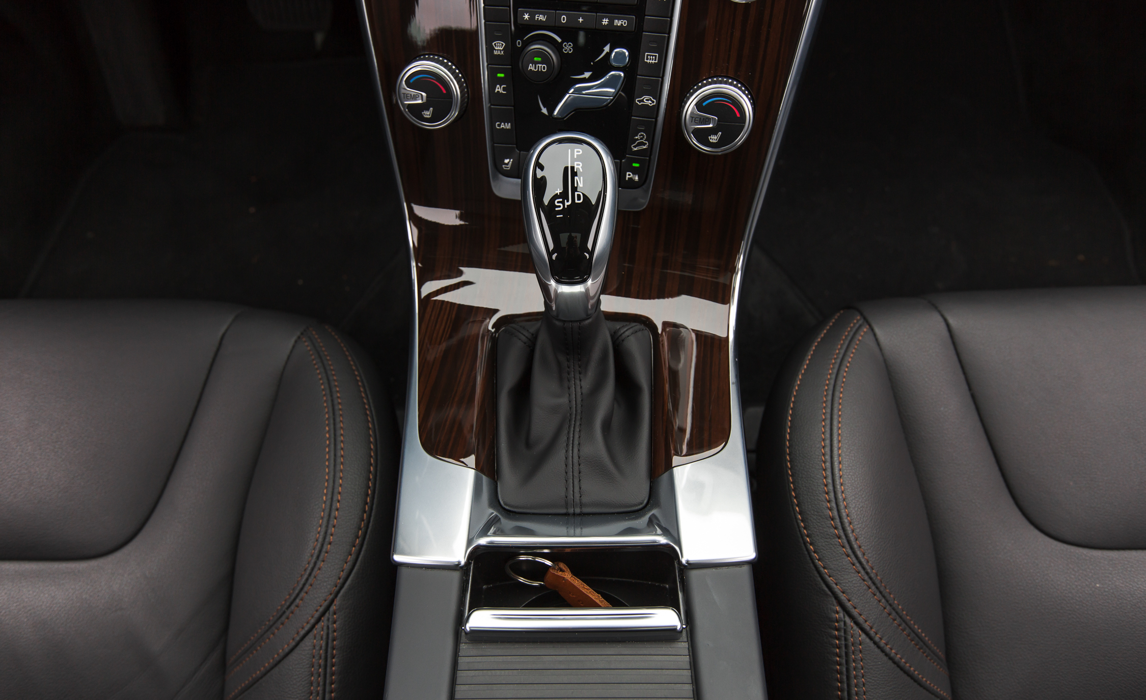 2016 Volvo S60 Cross Country Interior Gear Shift Knob