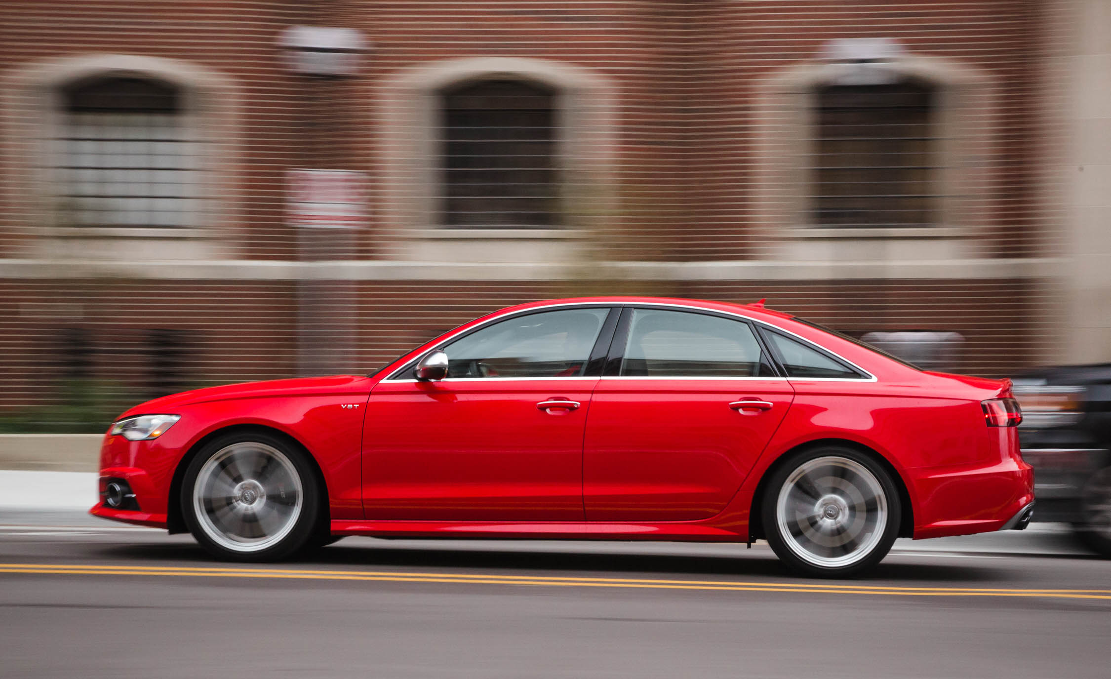2016 Audi S6 Test Side View
