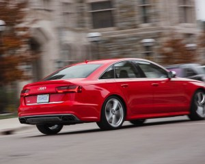 2016 Audi S6 Test Side and Rear View