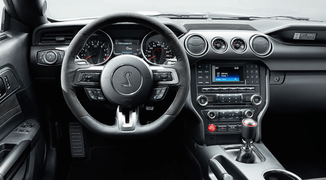 2017-Ford-Mustang-Shelby-GT350-interior
