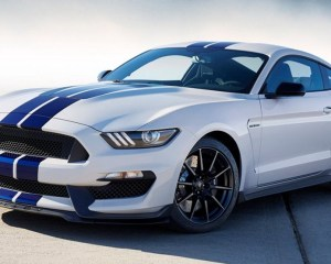 2017 Ford Mustang Shelby GT350 Front View