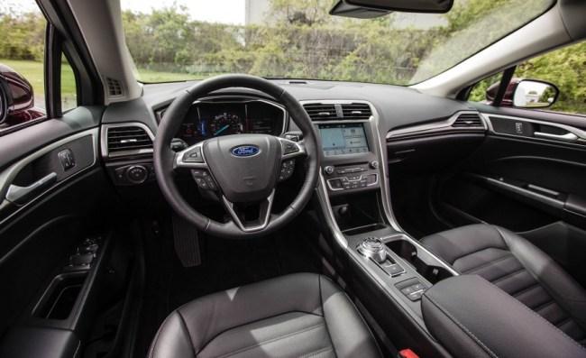 2017-Ford-Fusion-hybrid-123-876x535