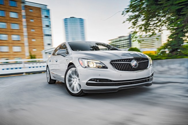 2017 buick lacrosse front