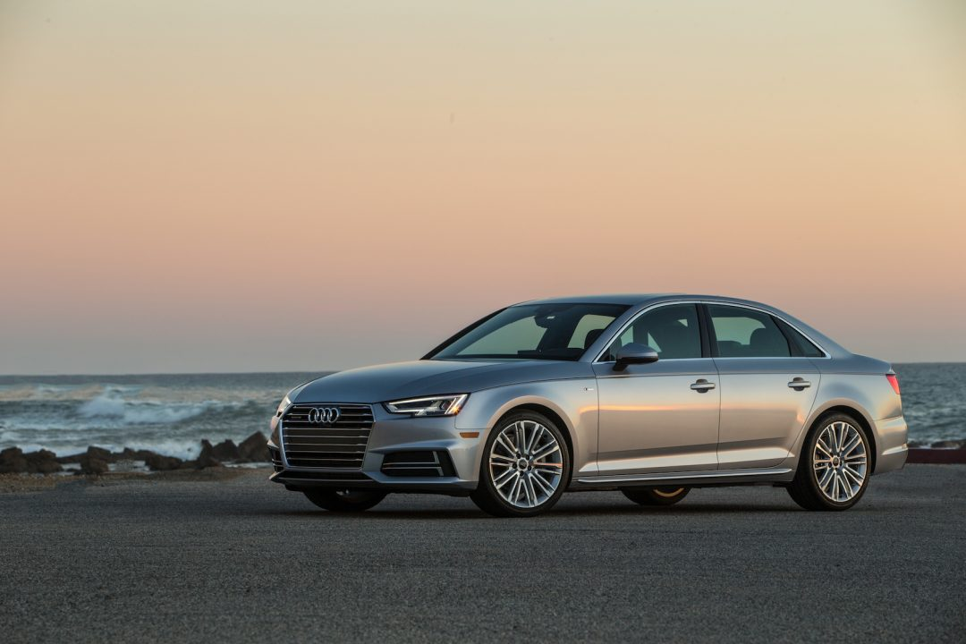 2017 audi A4 Side View