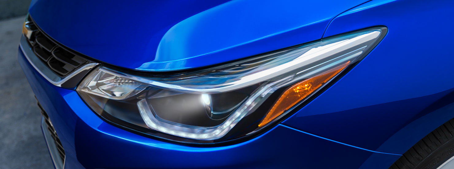 2017 Chevrolet Cruze Headlight View