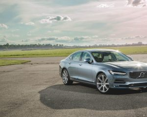 2017 Volvo s90 Front View
