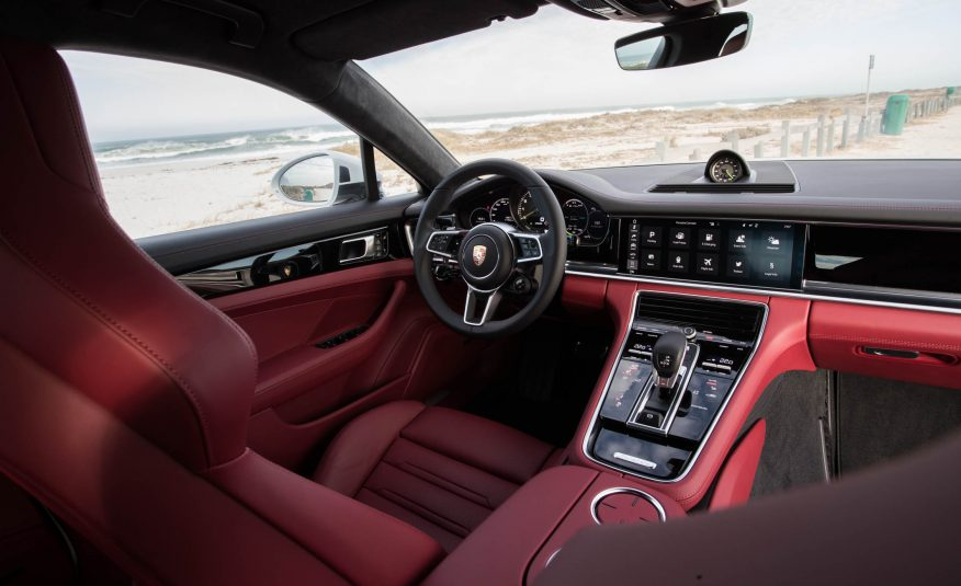 2018 Porsche Panamera 4 E Hybrid Interior View