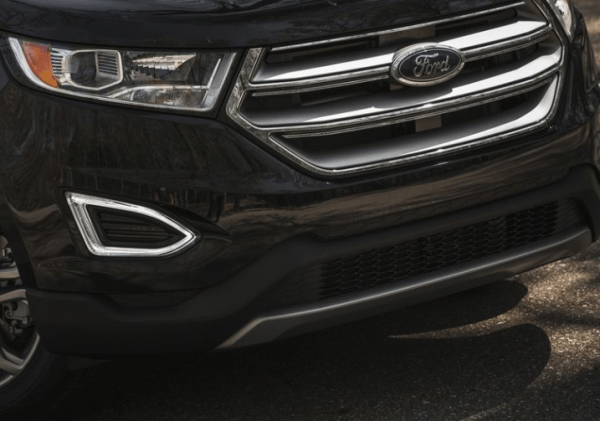 2017 Ford Edge grille exterior review