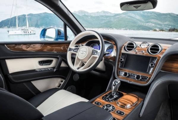 2018 Bentley Bentayga steering wheel review