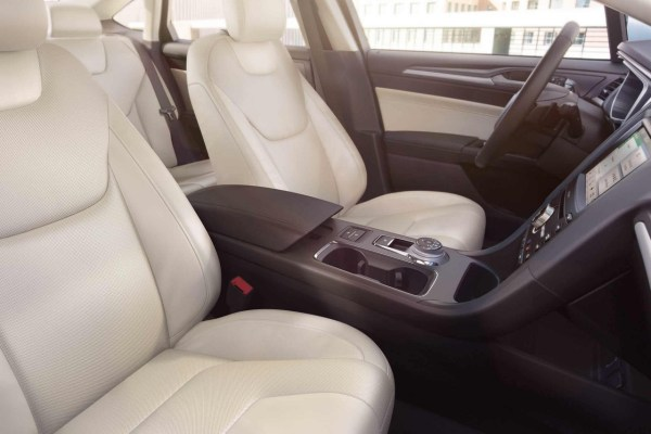 2018 Ford Fusion front seats review