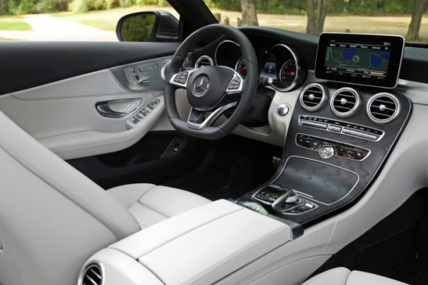 2018-Mercedes-Benz-Cabriolet-dashboard-review 2018 Mercedes-Benz C300 Cabriolet