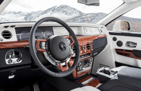 2018 Rolls Royce Phantom VIII dashboard review
