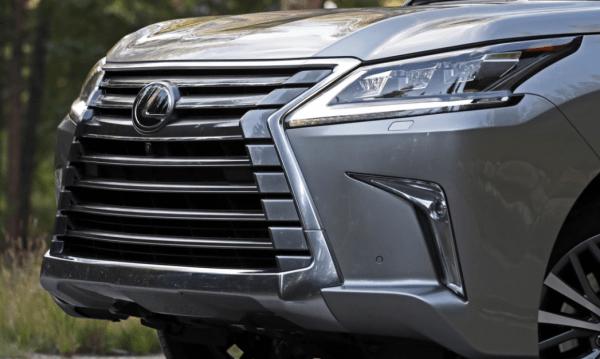 2018 Lexus LX570 grille review