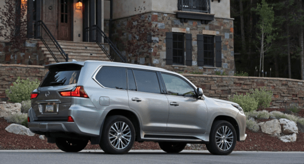 2018 Lexus LX570 side review