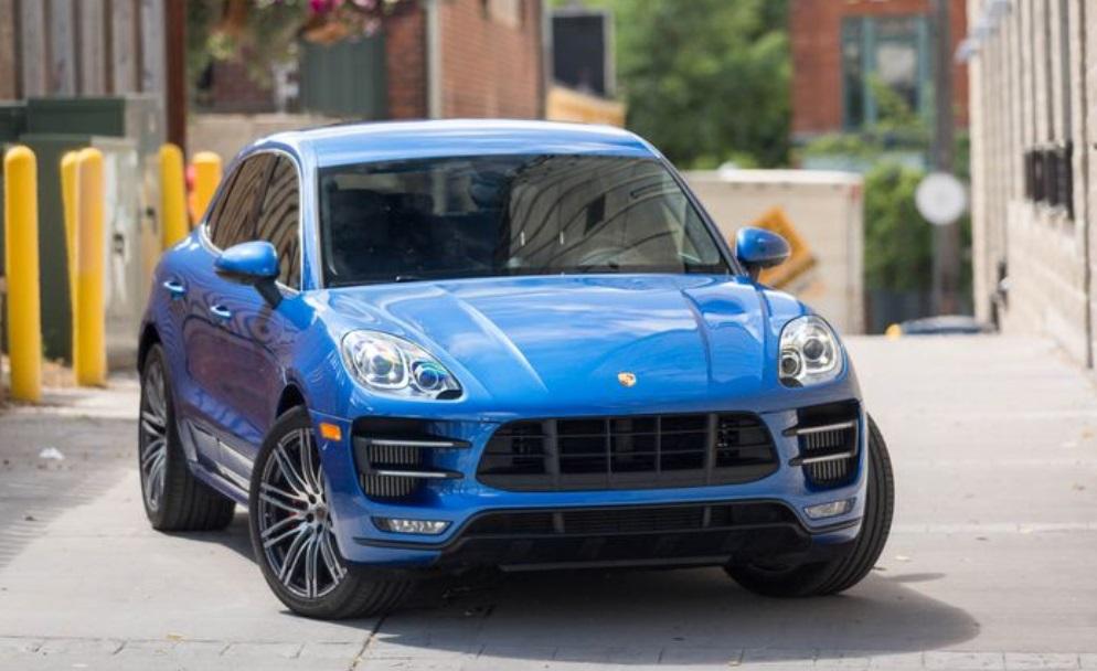 2018 Porsche Macan Turbo SUV Front View