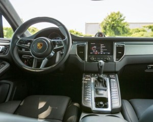 2018 Porsche Macan Turbo SUV Steering Dashboard View
